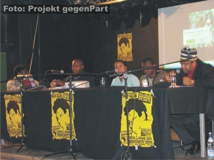 Африканские иммигранты на политическом митинге в Дессау