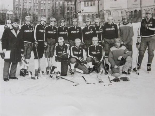 В Ленинграде самой популярной командой стала «Красная заря», матчи с её участием собирали полные стадионы