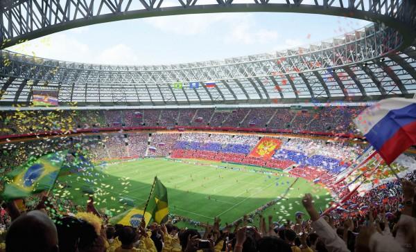 Спорт вообще, и в современной России в особенности, может быть шоу, бизнесом, свистком для выпускания из общества пара, но никак не национальной идеей, мобилизующей общество на какие-то свершения