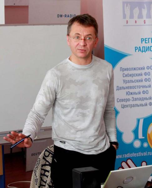 """Страна поделена на """"элиту"""" и """"быдло"""", считает Дмитрий Губин"""