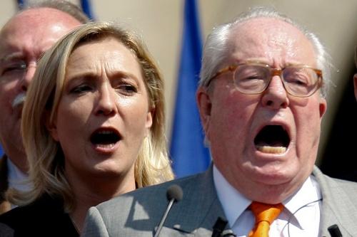 Жан-Мари Лё Пена на посту лидера Национального фронта сменила его дочь Марин