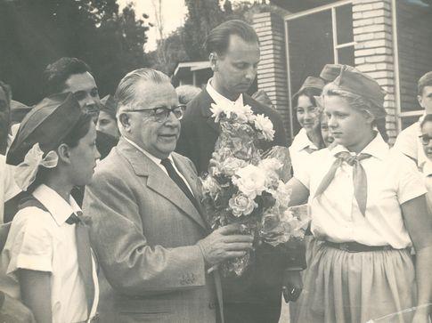 """13 августа 1964 года. Последнюю речь в своей жизни Пальмиро Тольятти произнёс перед пионерами """"Артека"""", а незадолго до этого написал """"Памятную записку"""""""