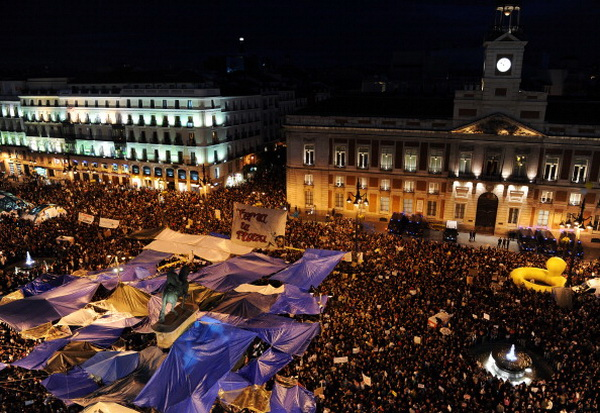 Манифестация на мадридская площади Пуэрто дель Соль 19 мая 2011 года
