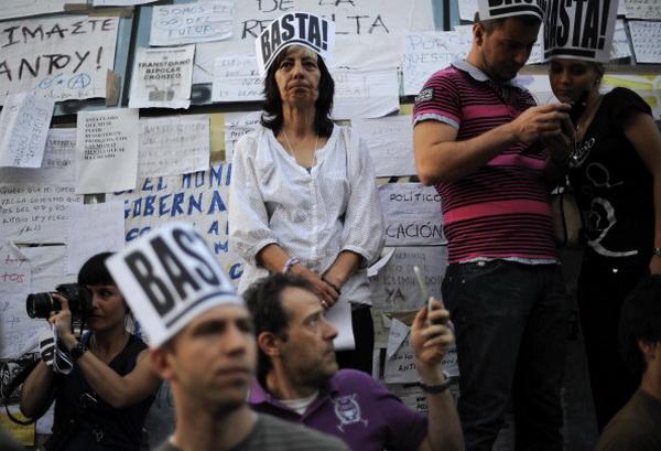 В мае 2011 года на Пуэрта дель Соль демонстранты выступили против сокращения социальных расходов