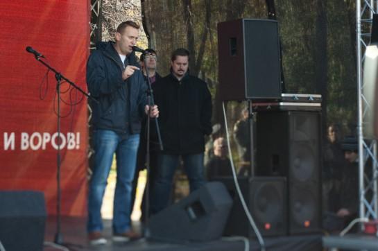 """Алексей Навальный выступает на митинге """"Хватит кормить Кавказ!"""" стало полной неожиданность для российских либералов"""