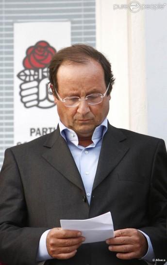 Происходящее говорит об «одиночестве» Олланда и о возможном сужении его парламентской базы, считают эксперты