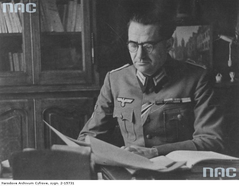 Жак Дорио, уйдя из компартии, основал Народную партию Франции, которая в годы Второй мировой войны сотрудничали с гитлеровцами