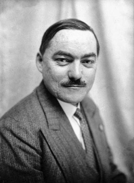 Бывший член соцпартии Марсель Деа стал основателем фашистского Рассамблеман Насьональ Попюлер (Народно-национального союза)