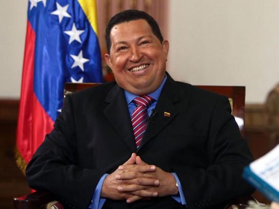 Чавес не гнушался авторитарных мер, оказывал давление на суды, национализировал некоторые СМИ, однако не больше, чем иконы либерализма — Франклин Делано Рузвельт или Шарль де Голль. В целом — Чавес оставался демократическим лидером.