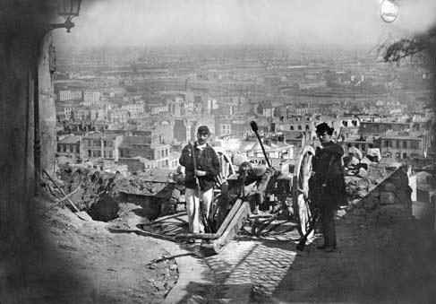 Парижане перевезли орудия на холм Монмартр, не желая, чтобы они попали в руки пруссаков. 18 марта Тьер хотел отобрать эти пушки