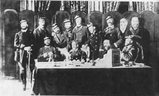 В Центральный Комитет Национальной гвардии. ЦК состоял из делегатов от 215-ти батальонов пролетарских и мелкобуржуазных округов Парижа. В его состав входили многие видные социалисты