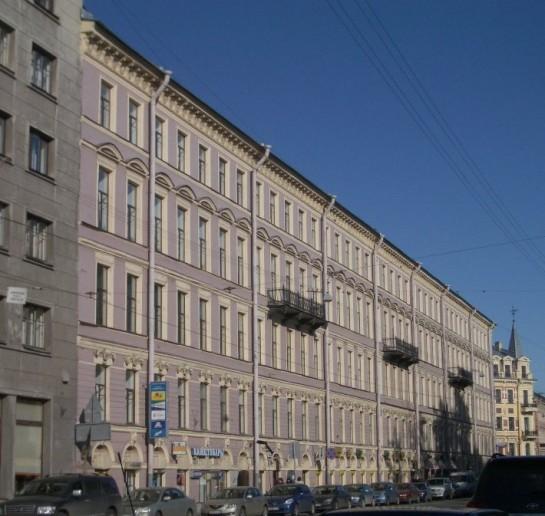 Дом 51 по Садовой улице, где в начале ХХ века жил поэт Константин Феофанов и где был притон педофилов