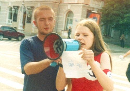 Всё это время я была активисткой Партии. Спустя год после рождения дочки я уже выступала с речами на митингах