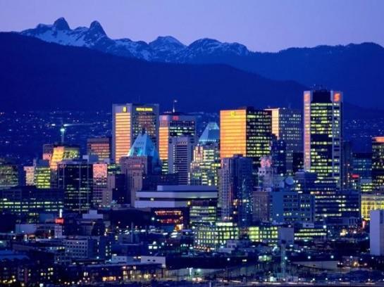 Ванкувер, если брать строго «малый город», – это прежде всего высокие небоскрёбы