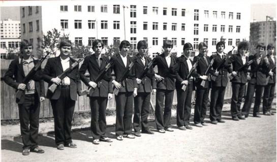 НВП расцветала в нашей стране в советские годы. Школьников  учили оказывать медицинскую помощь, обращаться с противогазом, ориентироваться на местности, маршировать, разбирать и собирать автомат и многому другому