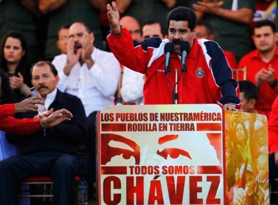 Николас Мадуро, несмотря на твёрдость убеждений, верность чавизму, патриотизм, опыт профсоюзной и политической борьбы, оказался лидером, на порядок уступающим Чавесу в персональном плане. И его постоянные ссылки на команданте, на память о нём – не свидетельствуют ли они о том, что нынешний руководитель революционного процесса оказался немного «не в своей тарелке»?