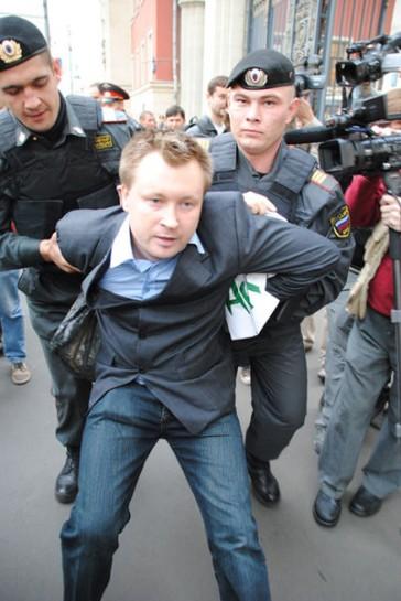"""Многие геи России считают гей-парады """"пиаром одного человека"""""""