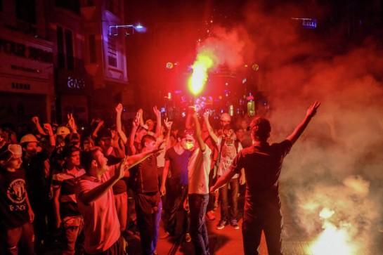 Тысячи манифестантов вновь вышли на улицы Стамбула