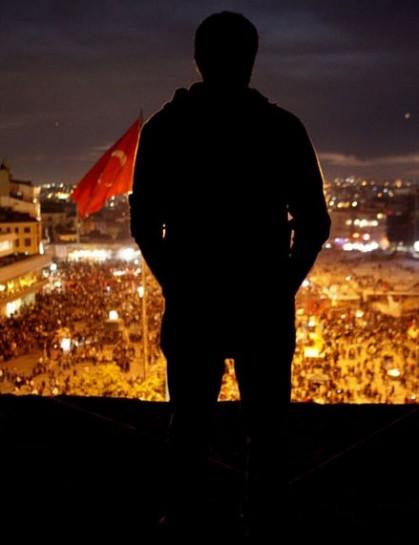 На площади Таксим в июне 2013 года звучала музыка многих турецких команд. Целый ряд групп и исполнителей явились на площадь поддержать протестующих