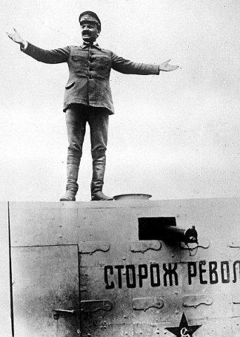 Во главе Красной армии Троцкий встал в марте 1918 года
