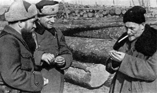 Справа налево: С.А.Ковпак, И.П.Балыко, П.П.Вершигора