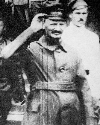 TrotskyAtThePolishFront-1919-2