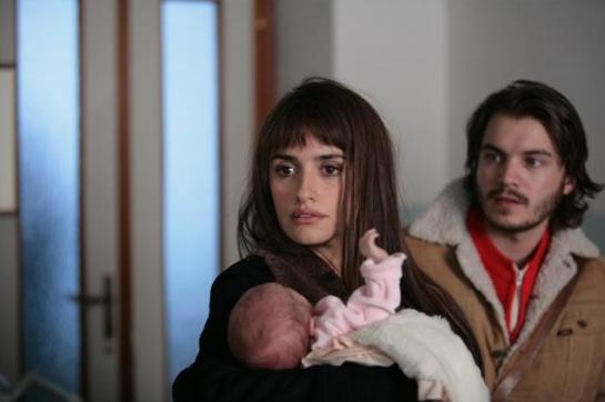 «Рождённый дважды» снят по одноимённой книге Маргарет Мадзантини, жены Серджо Кастеллитто.