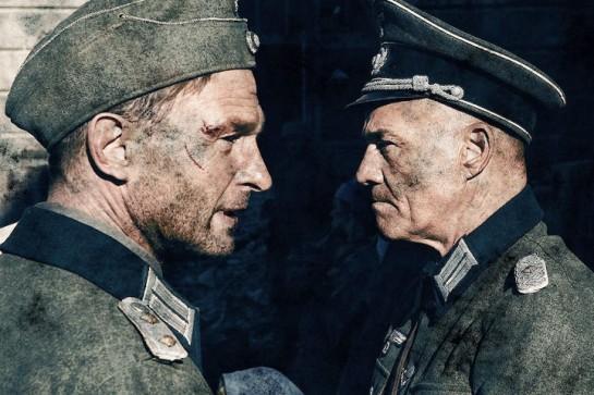Майор Кан (Томас Кречманн) и полковник Хензе (Хайнер Лаутербах)