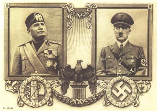 В конце 1934 года Муссолини ещё резче стал отзываться о нацизме, называя его «продуктом язычества и пережитком первобытного строя», «расизмом из психиатрической лечебницы» (немецкая открытка)