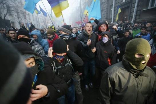 Режим Януковича коррумпированный, бандитский и антинациональный. И чем дальше украинцы зайдут в борьбе с олигархической властью, тем лучше