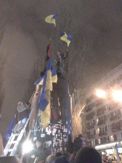 То, что для ряда украинцев символом империи, стало изваяние человека, который боролся с великорусским шовинизмом, не назвать иначе, как мрачно иронией истории