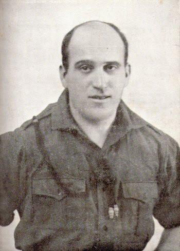 После Учредительного съезда Фаланги 29 октября 1933 года её возглавил знаменитый лётчик Руис де Альда
