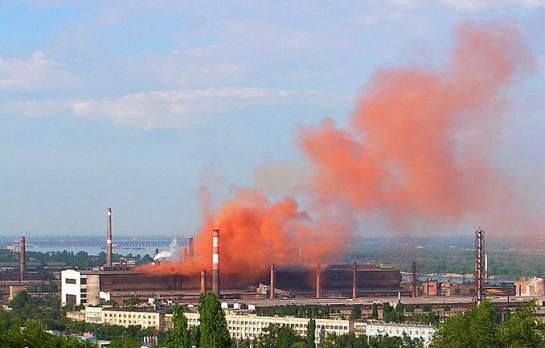 24 тысяч России предприятий загрязняют окружающую среду, 15% территории страны, т.е. 2,5 млн кв км, являются зонами экологического бедствия и чрезвычайных ситуаций
