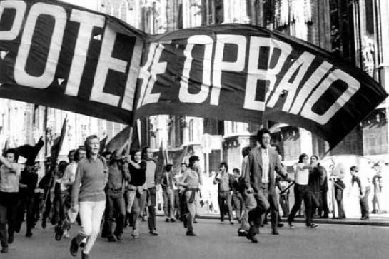 """Созданная Антонио Негри  операистская организация «Рабочая мощь (власть)» (""""Potere operaio""""), которая после слияния с «Группой Грамши» взяла название «Рабочая автономия», будоражила итальянские города все 70-е годы"""