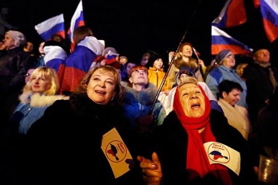 Не жалко всех этих ура-патриотов, без конца машущих триколорами и кричащих, что Путин их Бог и царь. Жалко думающих, умных людей