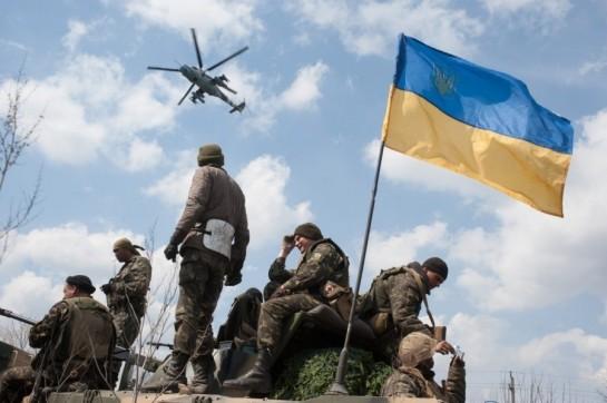 Все части украинской армии, техника и вооружение стянуты на Восток. Группировка, усиленная спецназом СБУ и Внутренних войск, насчитывает 30-35 тысяч