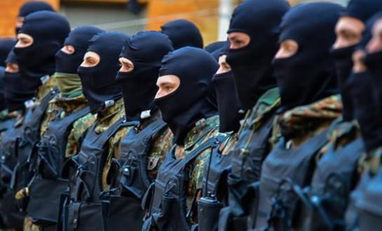Если Коломойский будет отстранен от должности главы Днепропетровской областной администрации, созданные на его деньги батальоны захватят ОГА и пойдут на Киев