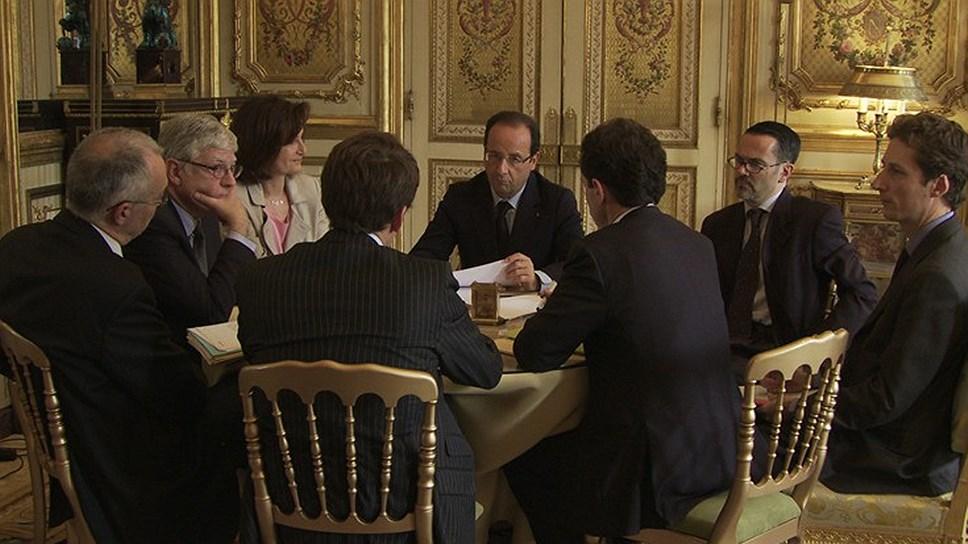 Олланд прекрасно понимает, что время героев и великих прошло. Харизматические личности во главе государства больше не нужны. Нужны управленцы. А Олланд — управленец