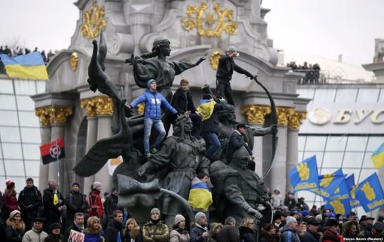 Восстание Майдана дало Украине лишь возможность выйти из исторического тупика и стагнации. Каким образом будет реализована эта возможность и будет ли реализована вообще — вопрос открытый