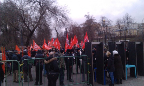 На антиолигархический марш собралось народа, меньше чем левые собирают в свои колонны на общегражданские марши. Сказать о провале марша, это вообще ничего не сказать