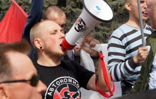 Молодого мужа и отца, антифашиста Олега Петрова саратовские борцы с экстремизмом обвинили в распространении гей-порно