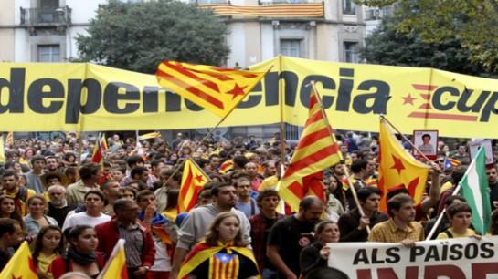 Полностью не поддержали независимость Каталонии лишь 4,55% опрашиваемых