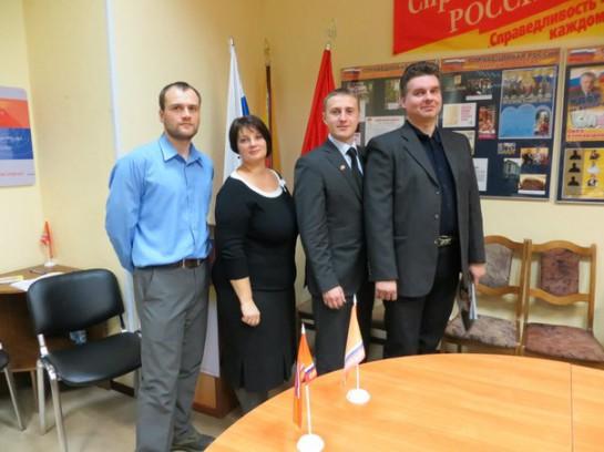 Надежда Тихонова со своими соратниками по муниципальной команде