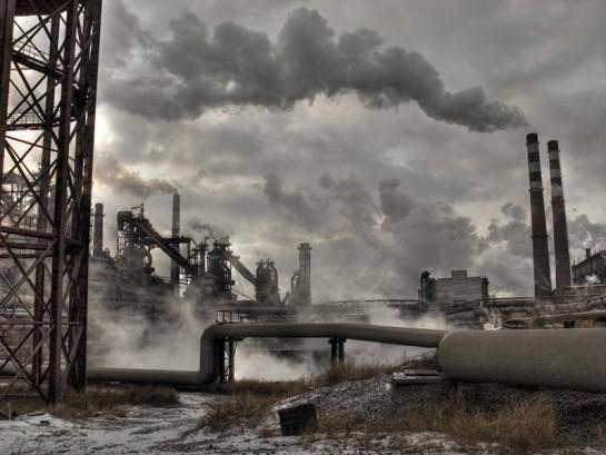 Всё время после развала СССР промышленный потенциал России разрушался