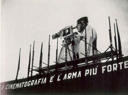 Cinecittà (дословно: Город кино, Киногород) была открыта Бенито Муссолини в 1937 году. До 1943 года на студии было снято около 300 фильмов