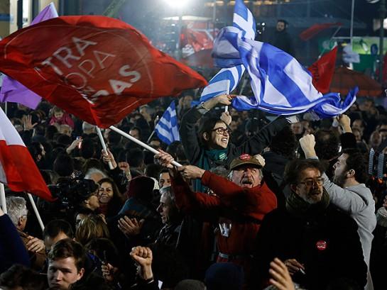 По последним данным, левая коалиция СИРИЗА получает около 36,5% голосов