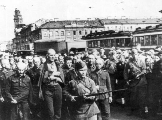 Немецкие пленные солдаты на Невском проспекте