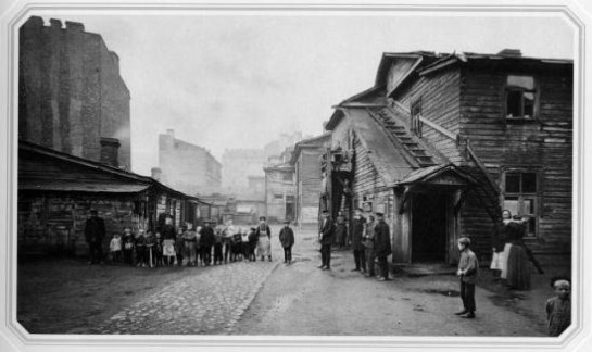 Двор на Выборгской стороне. Фото 1900-х