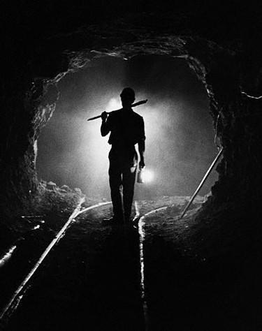Судьбы шахтёров-угольщиков для правящей советской бюрократии были не более чем раздражающим фактором