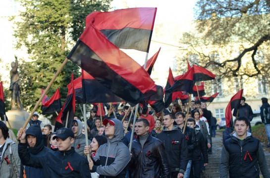 """""""Бандеровский флаг не даёт нам никаких «тактических» преимуществ. Мы его используем только потому, что мы в самом деле националисты и это — действительно наш флаг"""""""